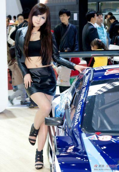 韩国可爱车模柳智慧