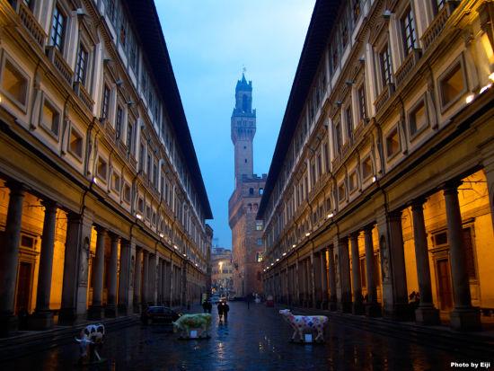 意大利佛罗伦萨推开窗户