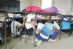 海南小学地震演练引发挤压致20多名学生受伤