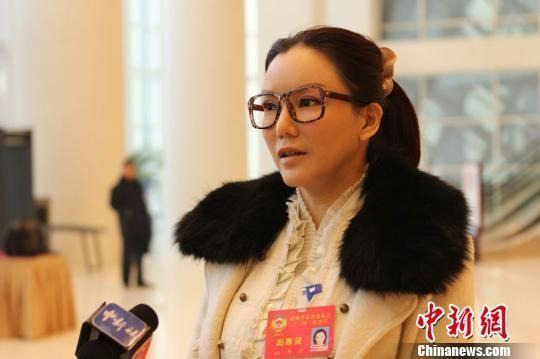 彭丹接受中新社记者专访。 张道正 摄