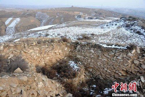 陕西神木石峁遗址,新疆温泉阿敦乔鲁遗址与墓地
