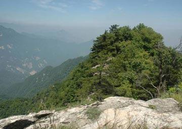 虎脊峰全景