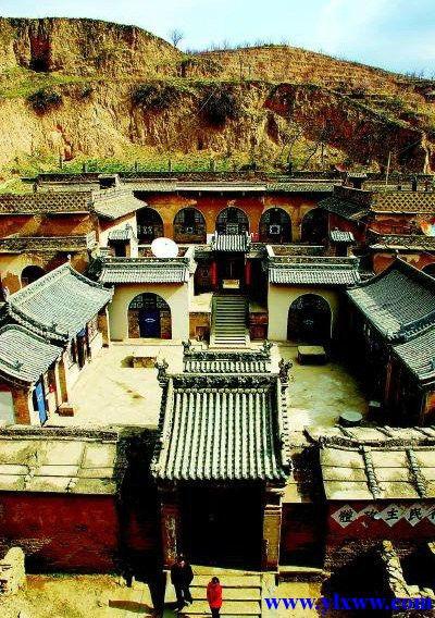 榆林市米脂县窑洞庄园各具特色 尽显风情图片