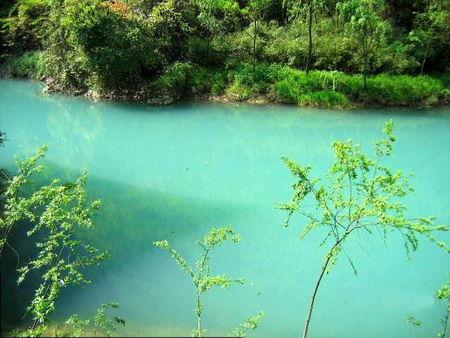 观音洞位于南郑县小南海风景区,距中国历史文化名城汉中市35公里.