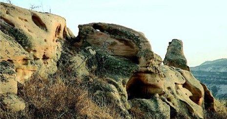 大自然却为人类打造了这样一个奇石的博物馆,怪兽的动物园.