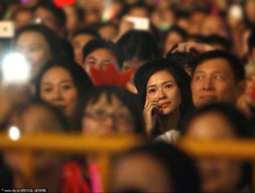 汪峰演唱会近十分钟告白 章子怡现身感动落泪