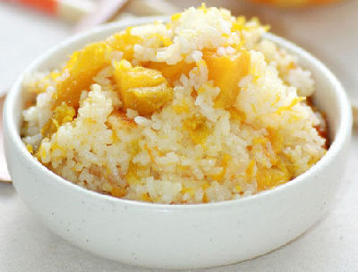 """蒸米饭时加3种""""料"""" 花样搭配降糖又防癌"""