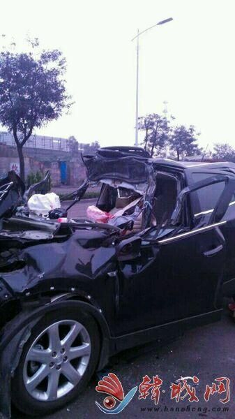 韩城龙门段发生车辆追尾事故 4人死亡1人重伤