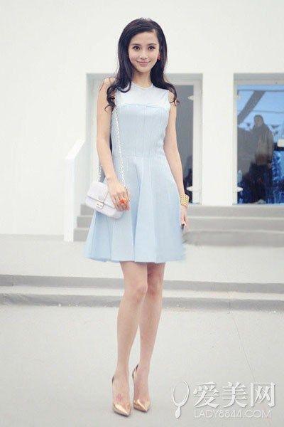 白色短裙搭配图片女