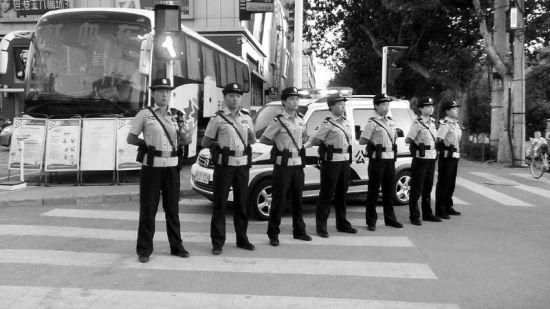 韩城首支女子巡警队亮相。