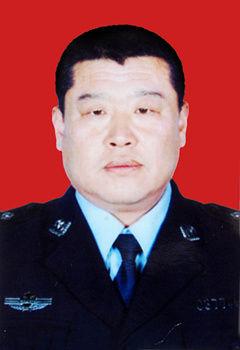 李建军腺+��cf�k�_2014榆林市十佳民警评选候选人:李建军