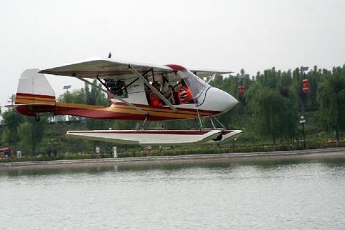 加拿大轻型运动水上飞机落户大荔同州湖景区