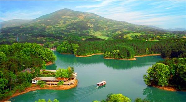 南湖风景区 南湖南郑县南湖风景区无酷暑