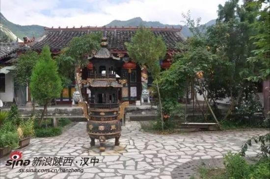 中国名胜高山寺风景