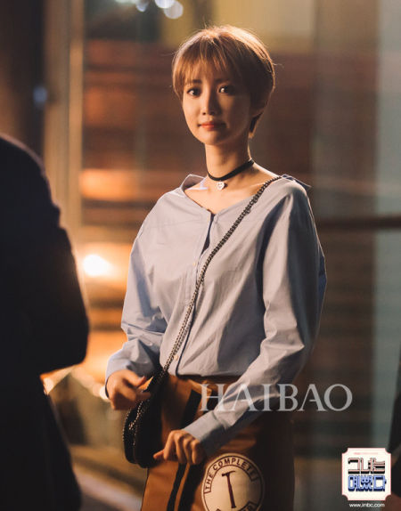 尤其是在韩剧《她很漂亮》中