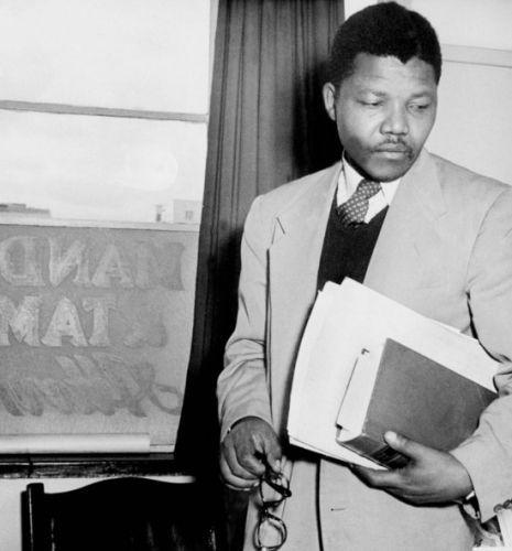 黑人总统曼德拉生平十张最珍贵照片曝光(图)