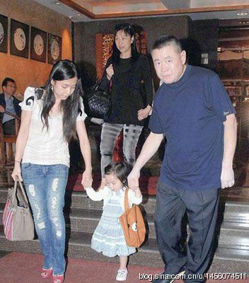 李嘉欣关之琳蔡少芬 富豪包养十几位女明星