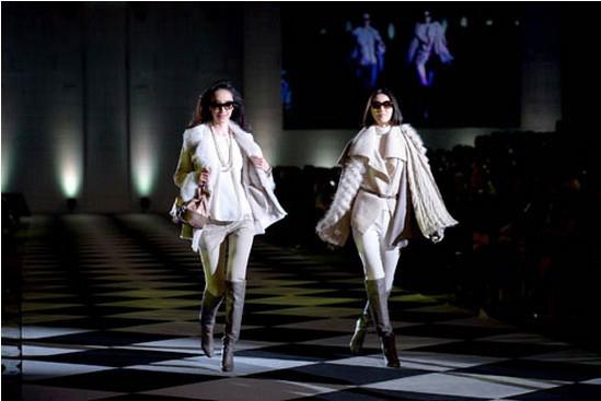 东京举行40岁熟女时装秀 引领风尚潮流