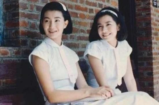 女星穿校服粉嫩美照 中韩女星校服造型谁更纯