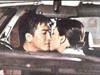 偷拍明星车内热吻