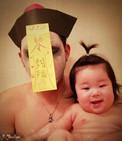 日本父女逗比泡澡照