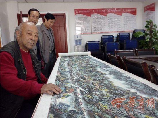 """7旬退休司机手绘17.5米""""宝鸡版清明上河图"""""""