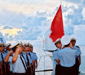 渔政船巡航钓鱼岛遭日警告