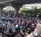广州外籍人员聚集堵塞交通