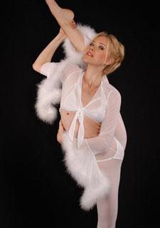 俄罗斯美女秀柔术