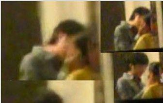 董洁被拍激吻王大治 公寓内忘情相拥