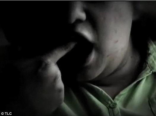 女子吃丈夫骨灰上瘾 随身携带想吃就吃