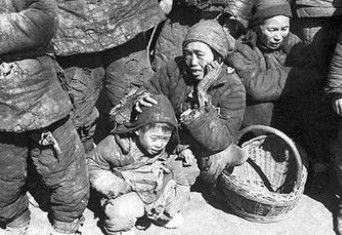老外拍1942中国首次完整展出 催人泪下