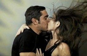 各种电影英雄亲吻方式