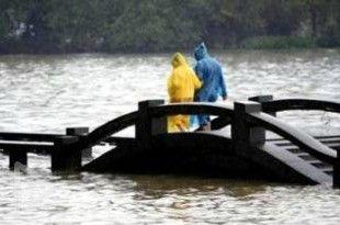 台风菲特过境 浙江水头镇全城被淹现场