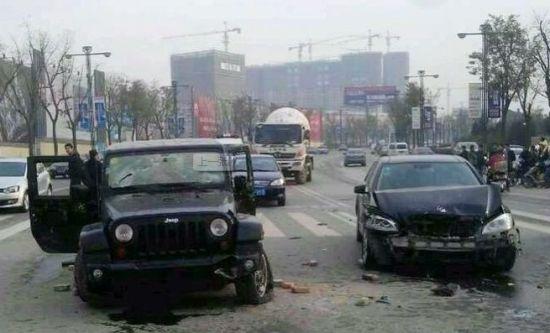 西安雁翔路街头持刀砍人 警方抓获9名涉案嫌疑人