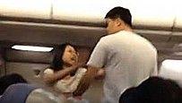 中国游客航班打架