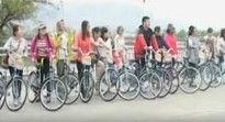 中国游客骑车穿图们口岸入朝鲜旅游