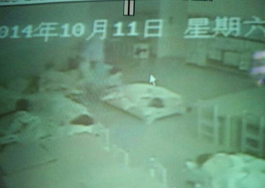 西安幼儿园虐童新视频流出 园方拒绝回应