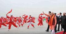 印度总理莫迪抵达西安 当地以传统腰鼓表演欢迎